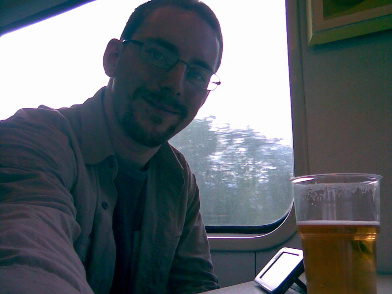 Junan ravintolavaunussa